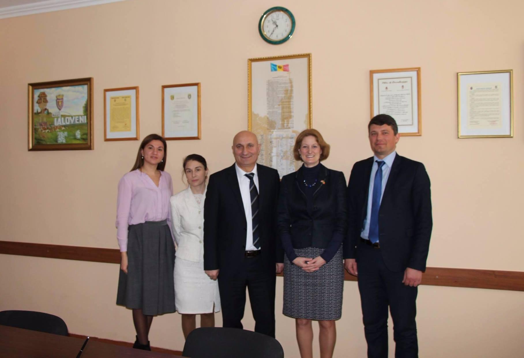 ambasadoare marii britanii (2)